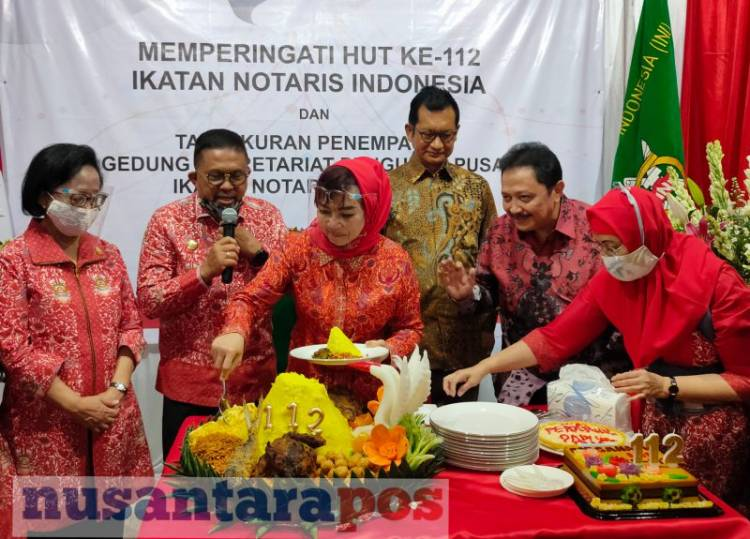 HUT INI KE-112 DAN SYUKURAN SEKRETARIAT IKATAN NOTARIS INDONESIA YANG BARU